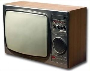 tv de tubo com tela curva 300x238 Sensores curvos e fim do RGB: a revolução das câmeras digitais