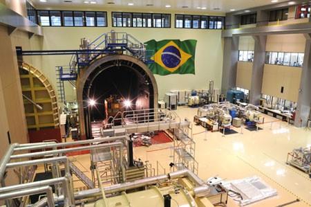 Laboratório de satélites do Inpe comemora 25 anos