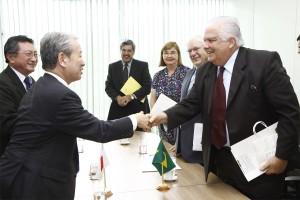Brasil e Japão discutem cooperação na área de desastres naturais