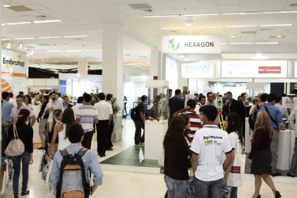 MundoGEOConnect 2012 Feira 600x399 Visite gratuitamente a maior feira de geotecnologias da América Latina
