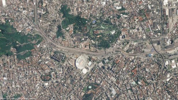 Imagens de satélite mostram estádios brasileiros em alta resolução Maracanã Imágenes de satélite muestran estadios brasileños