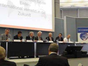 Jean-Yves Pirlot, Teo CheeHai, Steve Berglund, Karl Throne, Hagen Graeff (mediador), Andreas Scheuer e Arnulf Christl