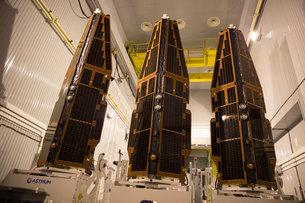 Three in a row medium Se aplaza el lanzamiento de los satélites que estudiarán el campo magnético