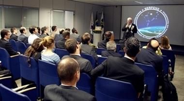 Ab nanossatelite AEB lança programa de pesquisa e experimentos com nanossatélites