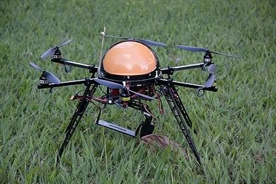 O Drone, ainda em fase de teste, pode voar abaixo das nuvens logo após uma chuva forte