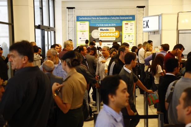 Connect 1 Recorde de participantes em dois dias do MundoGEO#Connect 2014