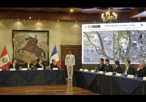 Satélite adquirido a Francia mejorará lucha contra minería ilegal en Perú