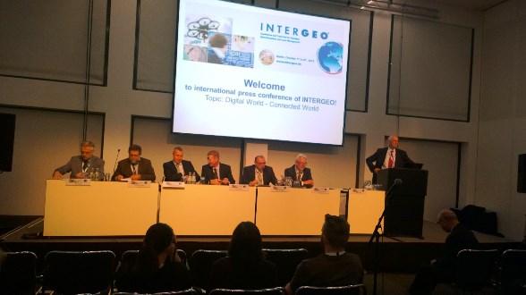 intergeo pressconference2 La industria geoespacial está lista para un mundo en red, apunta Intergeo 2014