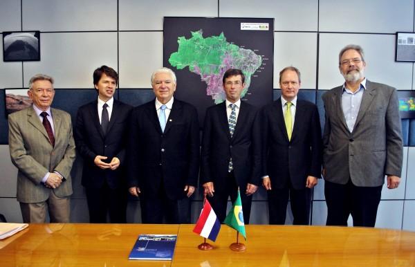 Brasil.Holanda2 600x386 Brasil e Países Baixos projetam cooperação espacial