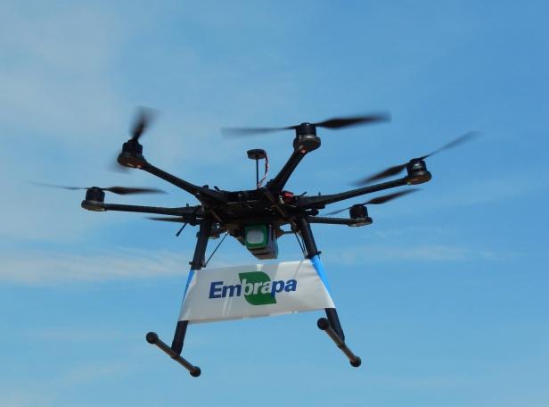 drone Embrapa MundoGEO e Embrapa promovem palestra online sobre Drones na Agricultura