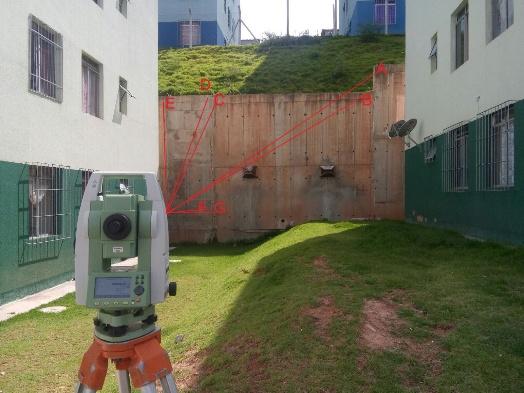 005 Artigo Topografia para monitoramento de estruturas   estudo de caso: muro de contenção
