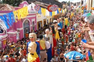 Olinda Carnival   Olinda Pernambuco Brazil 300x200 Google irá ajudar a localizar os blocos de Carnaval em 2017