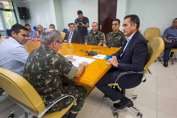 632a51f92e2e2a2eb35c54eeff258fb3 600x400 Governo do Amapá e Exército firmam parceria na regularização fundiária