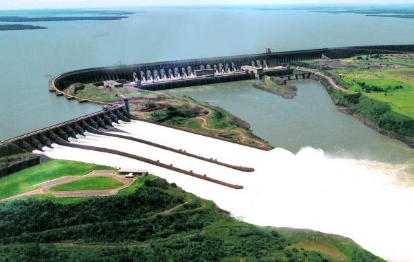 usina itaipu binacional 600x380 Atlas inédito mostra potencial energético do Paraná