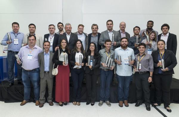 premio mundogeo 2017 600x392 Conheça os ganhadores do Prêmio MundoGEO#Connect 2017