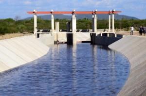300113 Canal do sertão com água seminário Lula 7 300x198 Artigo: Captação de água para reuso   estudo sobre loteamento residencial