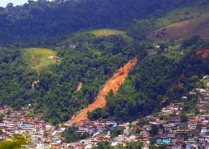 Angra dos Reis Morro da Carioca 2010 01 04 300x214 Pesquisa aponta fatores de deslizamentos e modelo ideal de monitoramento