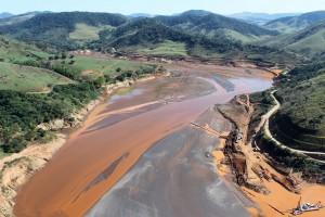 barragem em mariana 300x200 IPT abre primeira turma de especialização em segurança de barragens