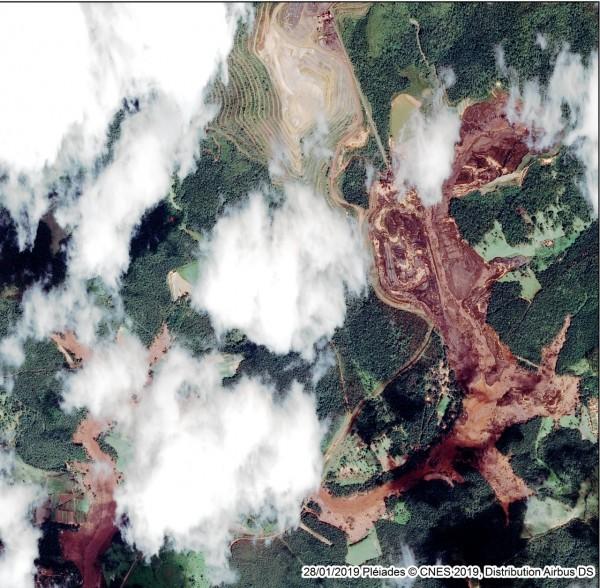 imagem de satelite de brumadinho de segunda feira 600x588 Geotecnologias na resposta ao desastre de Brumadinho
