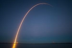lancamento de satelite 300x199 Brasil assina acordo para lançamentos de satélites a partir de Alcântara
