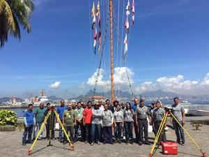 comandante da base de hidrografia cmg carvalho recebe equipe do ibge 300x225 Base da Marinha recebe equipe do IBGE para atualização geodésica