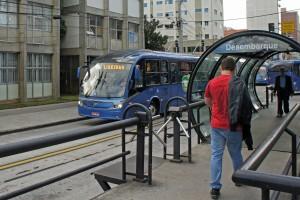 UTFPR Curitiba BRT 05 2013 6732 300x200 Tecnologia que viabiliza ônibus autônomo já está em teste no Brasil
